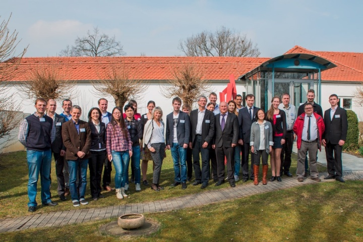 Participants in front of the venue, IBZ, Stuttgart 2015 (© iigs) (c) Participants in front of the venue, IBZ, Stuttgart 2015 (© iigs)
